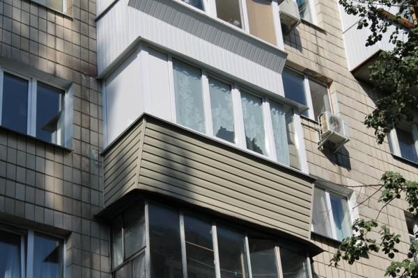 Сколько стоит остеклить балкон 3 метра? сколько стоит застек.